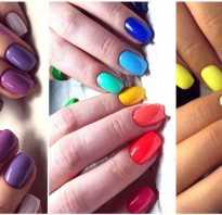 Сочетание ярких цветов на ногтях
