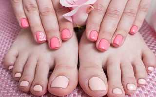 Ярко розовый педикюр