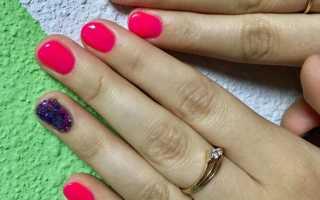 Маникюр розовый с сиреневым