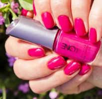 Дизайн ногтей цвет фуксия
