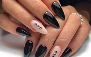 Черный маникюр на длинные острые ногти