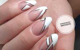 Геометрический френч на ногтях