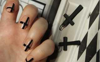 Черный маникюр с крестом
