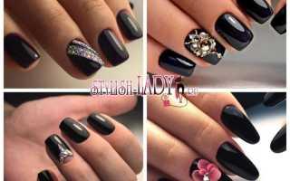 Стразы на черных ногтях