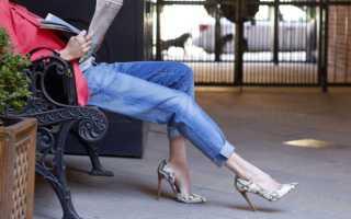 С какой обувью носить джинсы классические