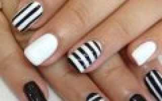 Розовые ногти с блестками