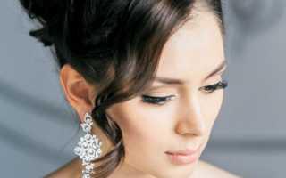 Низкий пучок на длинные волосы на свадьбу