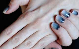 Градиент на ногтях розовый с белым
