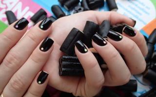 Гель лак черный с белым дизайн ногтей