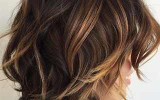 Лесенка на кудрявые волосы средней длины