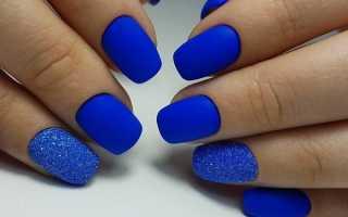 Маникюр с синим