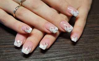 Розовый френч на ногтях с рисунком